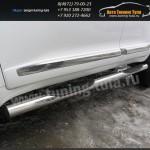 Пороги труба с накладками d76 Toyota Land Cruiser 200 2012г