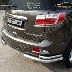 Защита заднего бампера d76,1/42,4мм уголки двойные Chevrolet Trailblazer 2013+