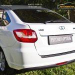 Накладка на задний бампер Lada Granta лифтбек 2014+