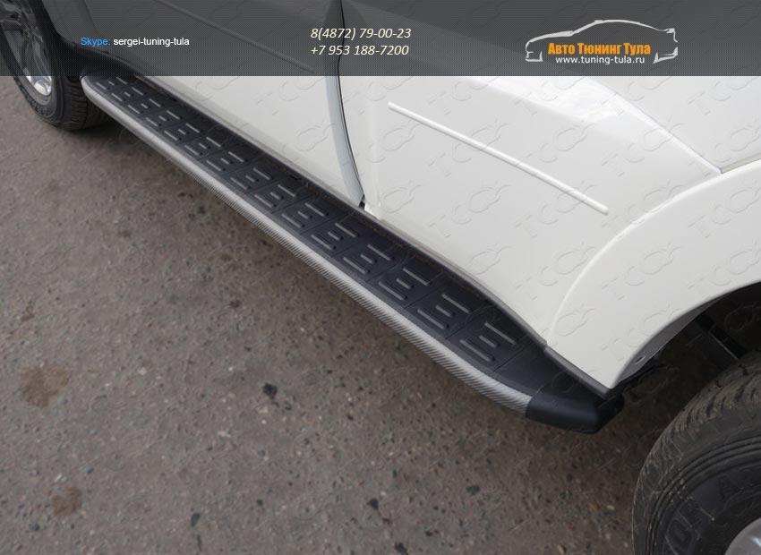 Пороги алюминиевые с пластиковой накладкой (карбон серые) MITSUBISHI PAJERO IV 2014+/арт.657-15