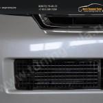 Накладка на решетку в бампер Toyota LC 200 с 2012+