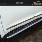 Пороги алюминиевые с пластиковой накладкой (карбон серые) 1720 мм TOYLC20015-13GR TOYOTA LC 200 2015+