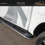 Защита порогов 42,4 мм Toyota Hilux 2015